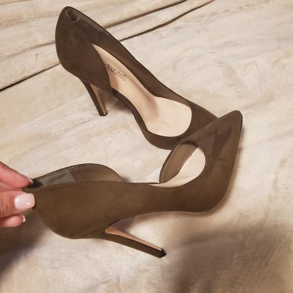 Shoe Dazzle Shoes   Olive Green